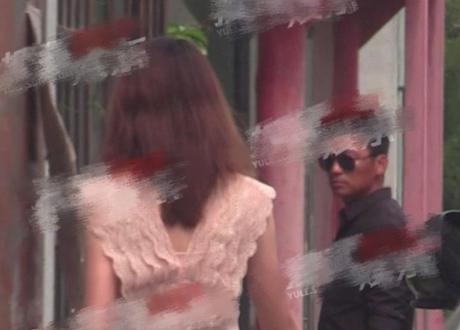 王寶強黑色上衣戴墨鏡 與女友同到工作室