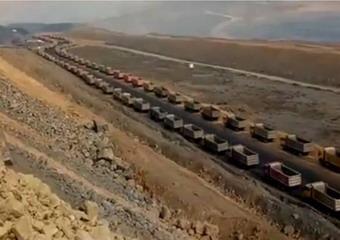 山西土豪用數百車爲母送葬