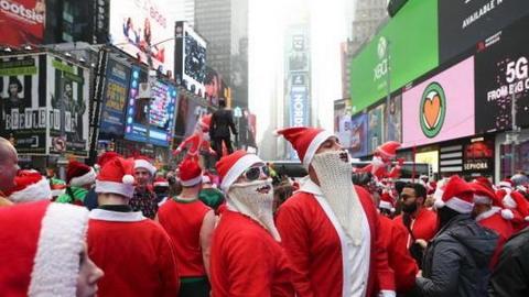 圣诞老人纽约时代广场大游行