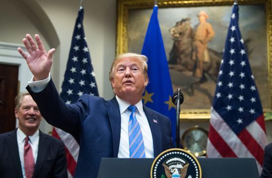 德州与俄亥俄州周末接连发生枪击案造成29人丧命后,美国总统川普今天呼吁国会议员通...