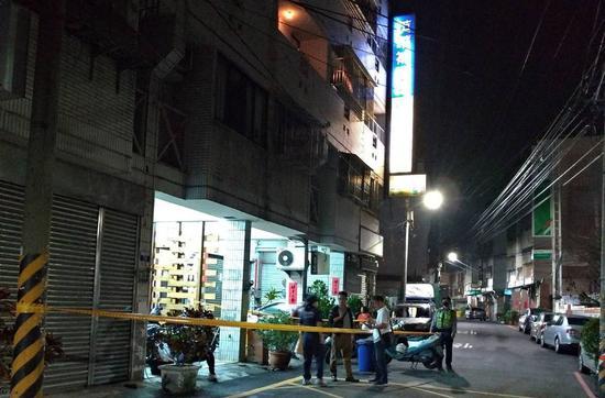 臺中市太平區今晚8時20分傳出46歲陳姓男子酒後刺死母親的逆倫悲劇。圖/記者趙容萱翻攝