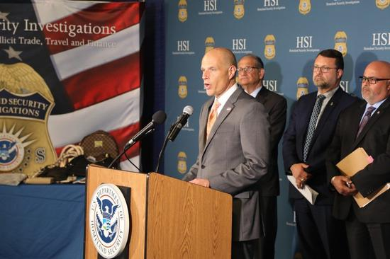 國土安全調查處特勤主任Angel Melendez說,犯罪團伙將在中國製造的假貨...