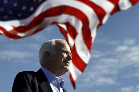 去年8月因腦癌病逝的重量級共和黨聯邦參議員麥凱恩。 美聯社