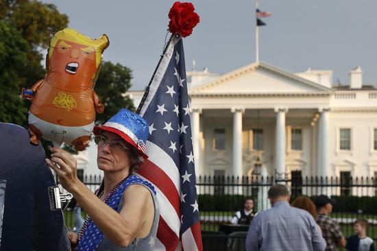 今年国庆日庆祝活动中,「川普宝宝」气球将不请自来 (美联社)
