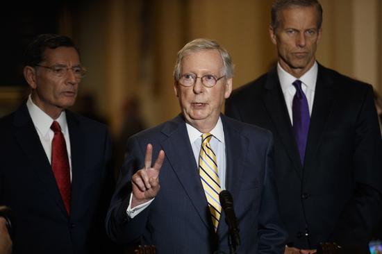 参院多数党领袖麦康诺(Mitch McConnell)抨击众院议长波洛西(Nan...