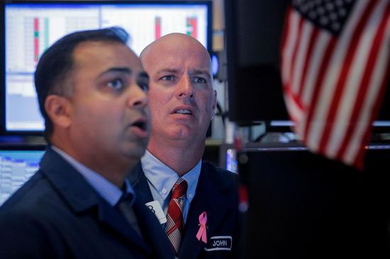 道瓊指數一連兩個交易日重挫,令人憂慮美股是否重演10月股災。路透