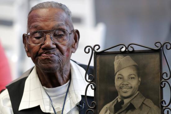 美國在世最高齡二戰老兵,慶祝110歲生日。圖/世界日報提供