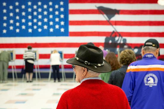 就在5日投票日这天,从维吉尼亚州、肯塔基州、爱阿华州到宾州的州内选举,民主党籍候...