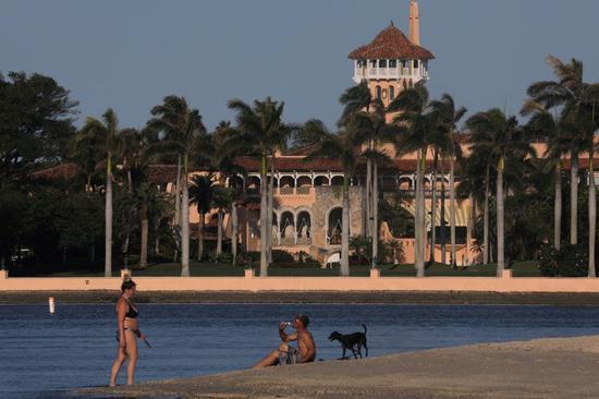 受新冠肺炎疫情影響,川普集團位在佛州的'海湖莊園'已關閉。路透