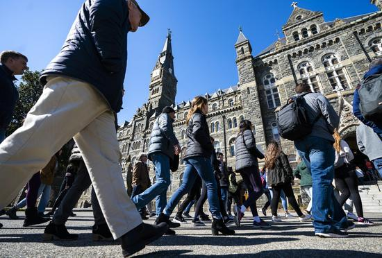 有錢家庭行賄進入精英大學被揭發,哈佛法學院教授:冰山一角。 歐新社