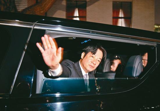 行政院长赖清德请辞,高思博表示,这代表赖清德将班师回台南,民进党台南市将正式进入「两个太阳的竞争!」 记者郑超文/摄影