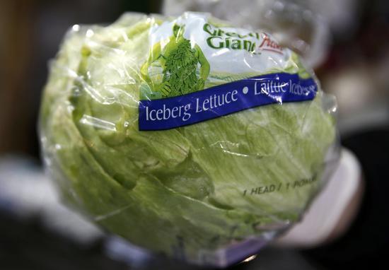 美国萝蔓生菜爆发感染大肠杆菌后,带动结球生菜的价格大涨。 路透