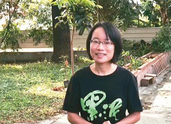 吴音宁离开北农,昨回彰化县溪州老家恢复女作家身分。 记者何烱荣/摄影