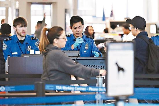 美國聯邦政府局部關門,可能對機場安全造成威脅。 (美聯社)