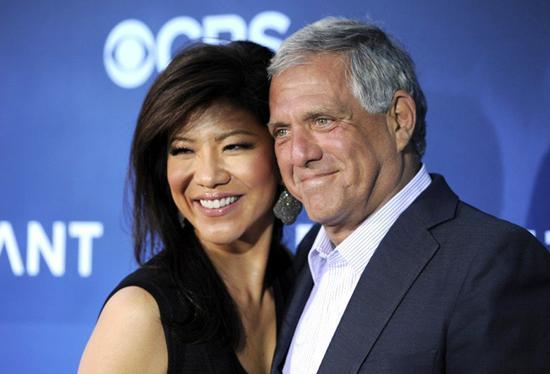 前任哥倫比亞廣播公司執行長穆恩維斯(右)遭控性騷擾,他的華裔女主播妻子陳曉怡(左)宣佈,即起卸下晨間脫口秀節目主持棒。美聯社
