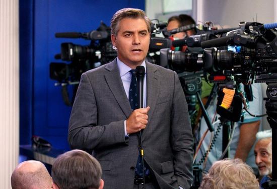 白宫撤CNN记者证件 称他对女实习生动手