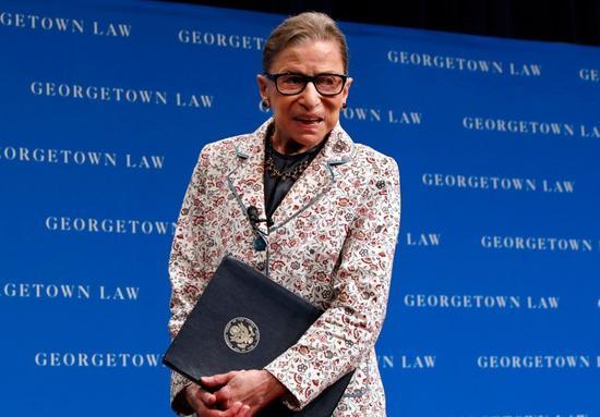 美國聯邦最高法院大法官金斯堡(Ruth Bader Ginsburg )因跌倒住院治療。 美聯社