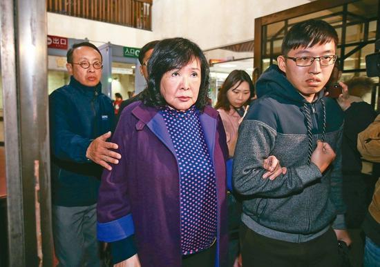 郑惠中在中国新媒体平台上用「她」形容文化部长郑丽君,恐涉公然侮辱罪。 联合报系资料照