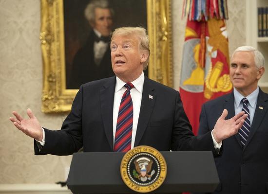 美国总统川普十九日在白宫发表演说,表示愿延长移民保护,交换国会批准边界墙经费。 (欧新社)