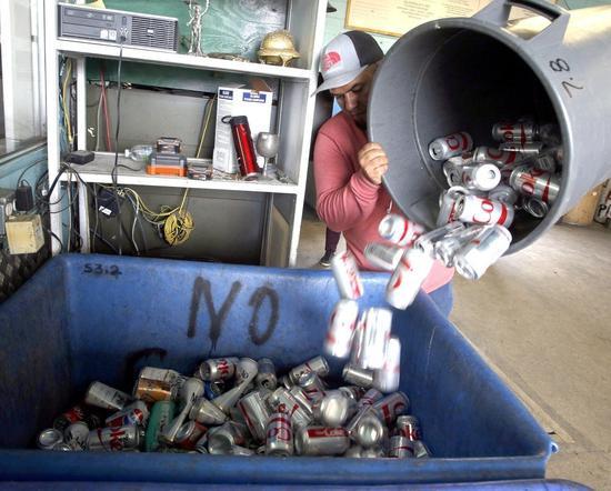 美國加州的回收中心。歐新社