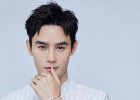 王凱迎37歲生日 劉濤發文祝福:讓他一直火