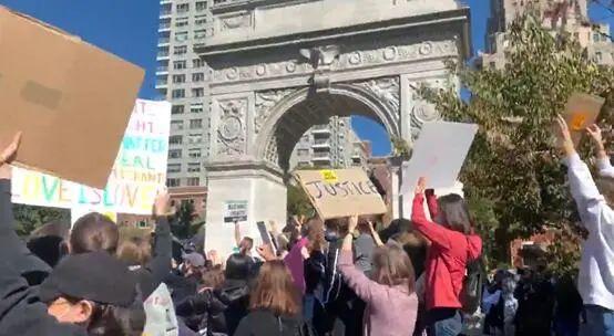 示威现场 图源:推特